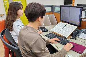 点字楽譜製作及び普及 写真